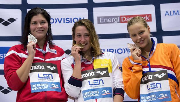 Mireia Belmonte con su oro de los 800 metros libre de piscina corta
