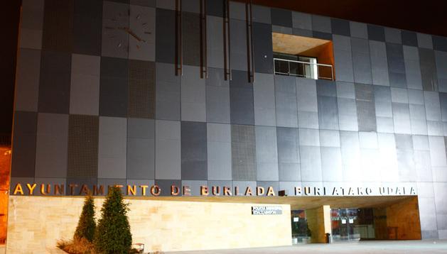 Vista de la fachada del Ayuntamiento de Burlada