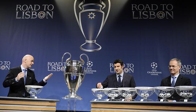 Luis Figo, en un momento del sorteo de Liga de Campeones.