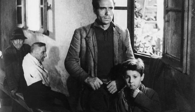 Fotograma de la película 'El ladrón de bicicletas'