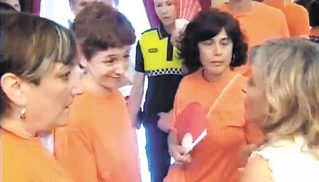 De izquierda a derecha las ediles de Bildu Ana Barrena, Eva Aranguren y Patricia Perales.