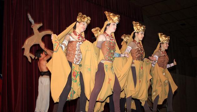 Integrantes del Fitness, durante una escena del Rey León.