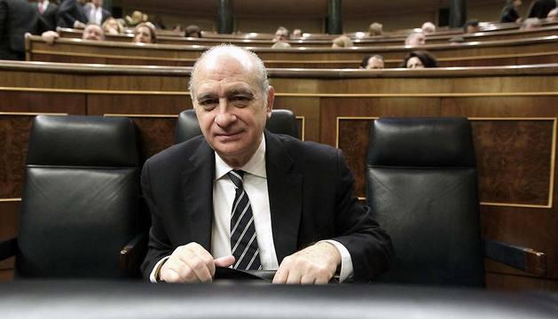 El ministro del Interior, Jorge Fernández Díaz, al inicio de la sesión de control al Gobierno del Congreso este miércoles