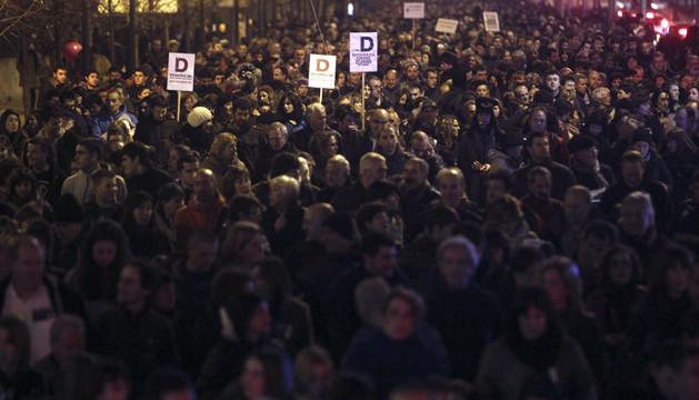 Miles de personas se manifestaron en defensa del modelo educativo D