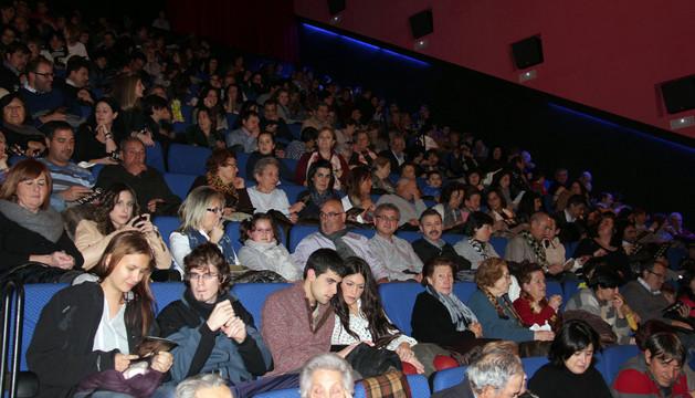 El público llenó el aforo del centro cultural Avenida en las dos sesiones que se celebraron.