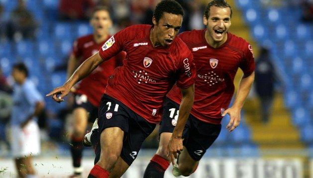 Valdo celebra su gol en Balaídos en 2006