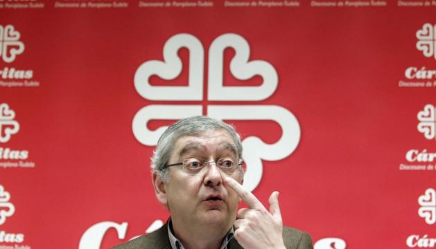 El delegado de Cáritas, Ángel Iriarte, durante la rueda de prensa de este jueves.
