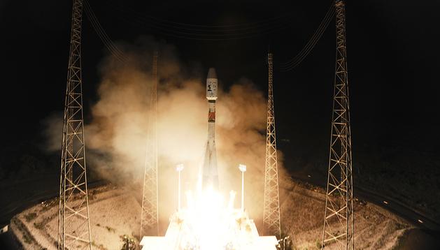 Momento del despegue de la nave Soyuz con el telescopio espacial Gaia acoplado