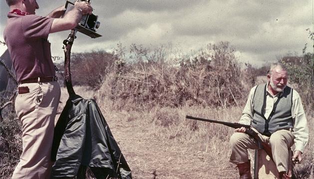 Ernest Hemingway, en África.