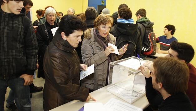 Un momento de las elecciones celebradas en la UPNA