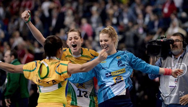 Las jugadoras brasileñas celebran su título mundial