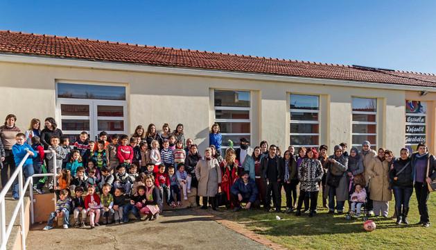 El colegio, uno de los servicios que más podría notar la llegada de nuevos habitantes celebró este sábado la fiesta de Navidad