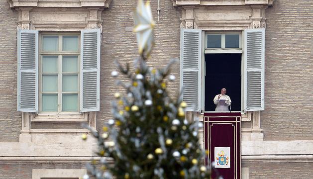 El Papa Francisco, durante la oración del Angelus
