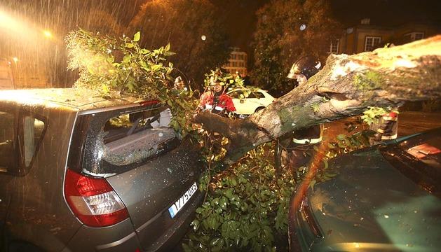 El temporal en Galicia provoca apagones y daños materiales
