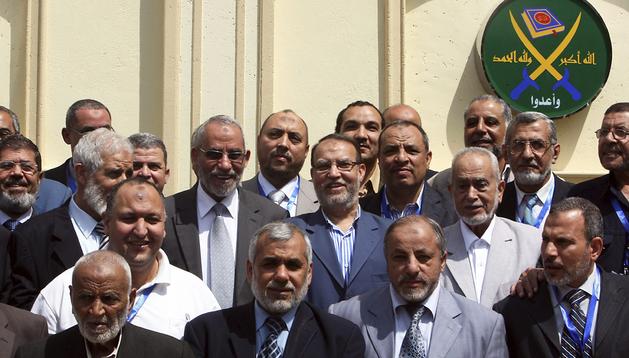 Imagen del 30 de abril del 2011 de miembros del consejo de los Hermanos Musulmanes tras una reunión en El Cairo