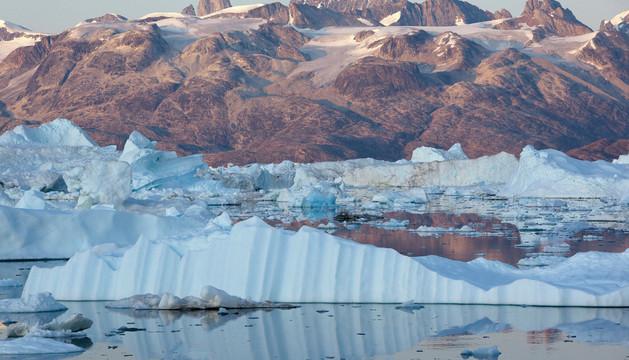 Glaciar Helheim en el Fiordo Sermilik en Groenlandia.