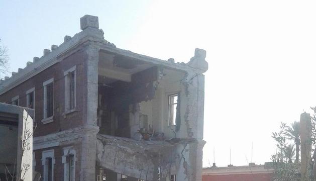 El edificio de Inteligencia Militar en Anshas, tras la explosión de este domingo