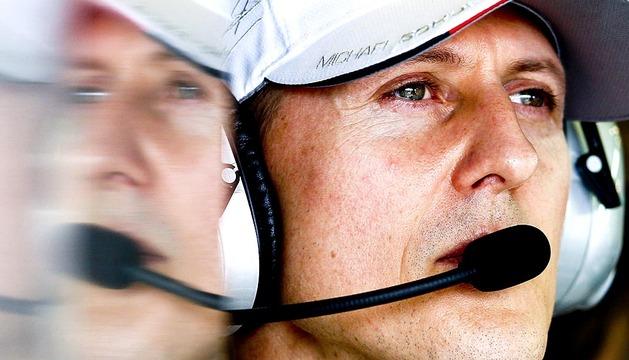 El expiloto alemán de Fórmula 1, Michael Schumacher, sufrió un grave accidente de esquí