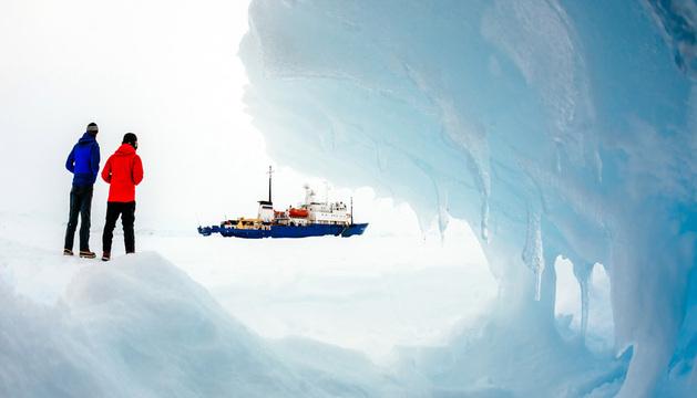 El barco ruso Akadémik Shokálskiy está atrapado en el hielo desde el 24 de diciembre.