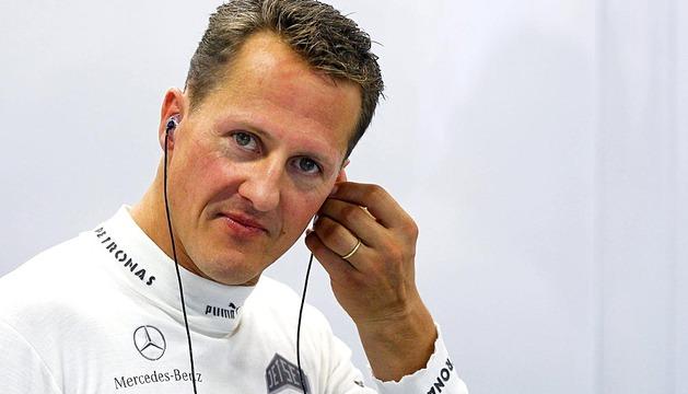 Michael Schumacher presenta una ligera mejoría