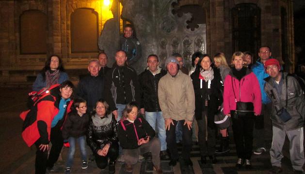 Algunos de los peregrinos arguedanos, en la Catedral de León