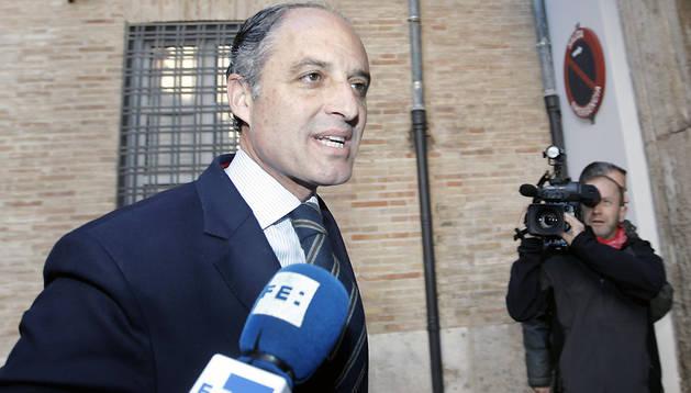 El expresident de la Generalitat Francisco Camps a su llegada a la sede del Consell Jurídic Consultiu (CJC)