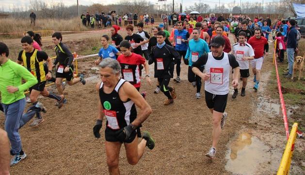 Una imagen de los corredores que tomaron parte ayer en la prueba absoluta del X Cross San Blas-Memorial Pedro Antonio Galilea