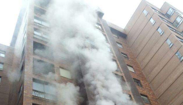 Incendio en la calle Monasterio de Urdax