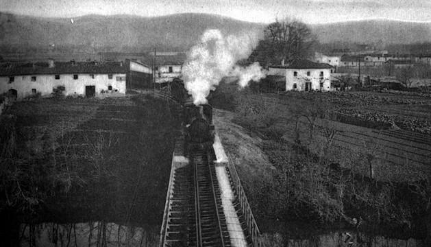 Tren del Plazaola llegando a Pamplona