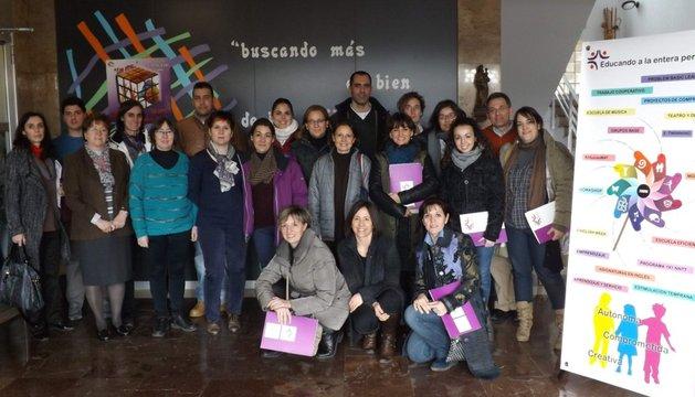 Foto de grupo de los docentes en el colegio Hijas de Jesús de Pamplona