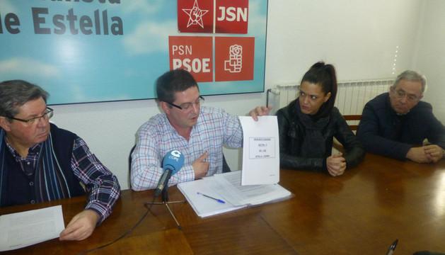 Desde la izquierda, Ignacio Sanz de Galdeano, José Ángel Izcue, Nela Rodríguez y Juan Andrés Platero, este miércoles durante la rueda de prensa en la sindical de la calle Doctor Huarte