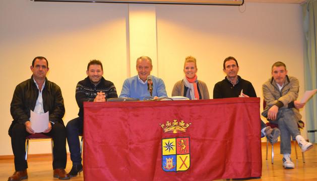 Los directivos José Andrés Fernández, Gustavo Alegría, Luis Martínez (presidente), Raquel Elvira (secretaria), José Ignacio Aramendía (vicepresidente) y Andrés Estarriaga