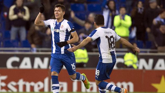 Héctor Moreno celebra el único gol del partido