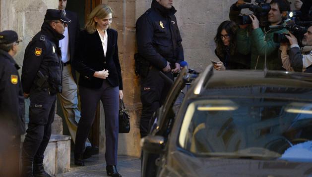 La infanta Cristina Aabandona los juzgados de Palma.