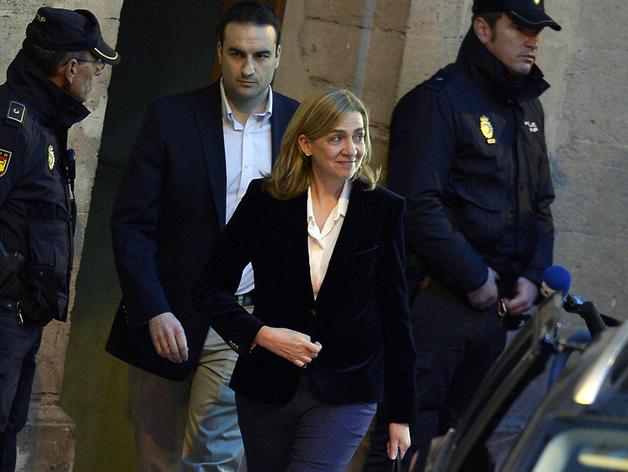 La infanta sale del juzgado de Palma tras un largo interrogatorio