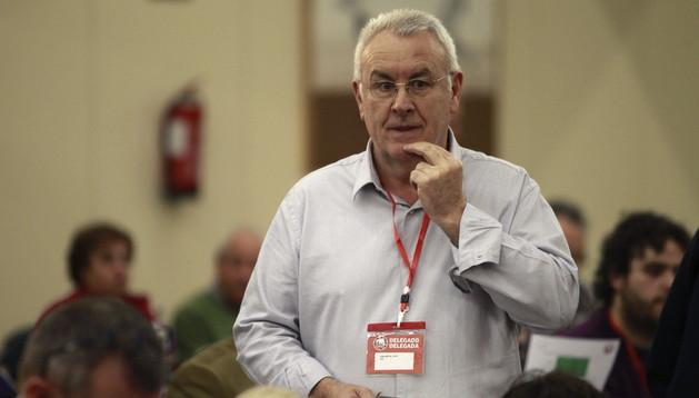 El líder de IU, Cayo Lara, durante la inauguración de una conferencia organizada en Madrid para debatir el modelo de Estado federal.