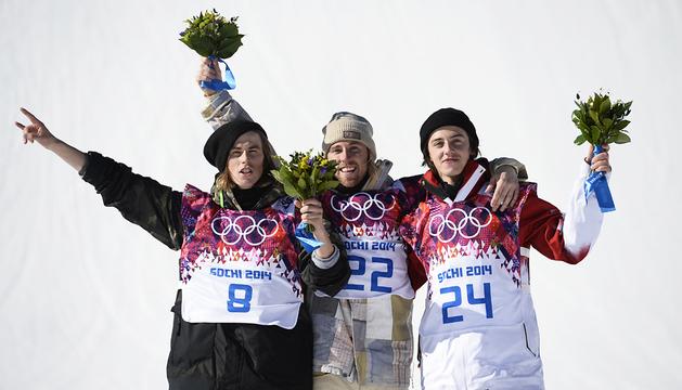 Primer podio de los Juegos Olímpicos de Sochi con Staale Sandbech (izda.), Sage Kotsenburg (centro) y Sven Thorgren