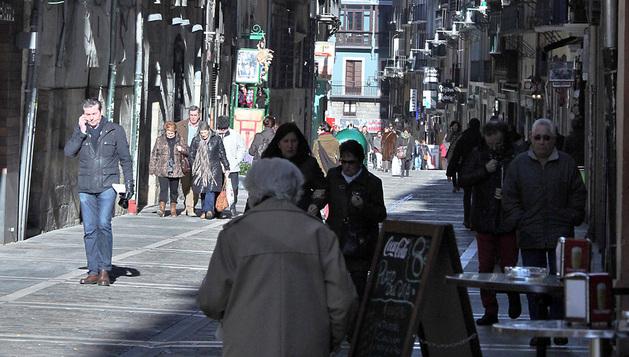 Sólo en la calle Estafeta hay siete comercios que están afectados por la renovación del alquiler de la renta antigua