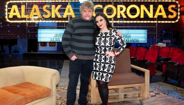 Alaska y Javier Coronas en una imagen promocional de su nuevo programa