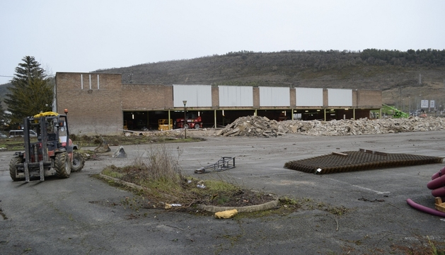 Obras en la parcela en donde se ubicarán Mercadona y la nueva sede de la Cooperativa de Hostelería.