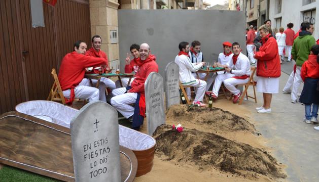 Una de las escenas que el equipo de TVE grabó en las calles de San Adrián