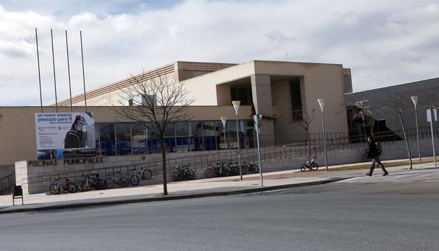 Imagen exterior de la piscina cubierta de Tudela, ahora gestionada por otra empresa