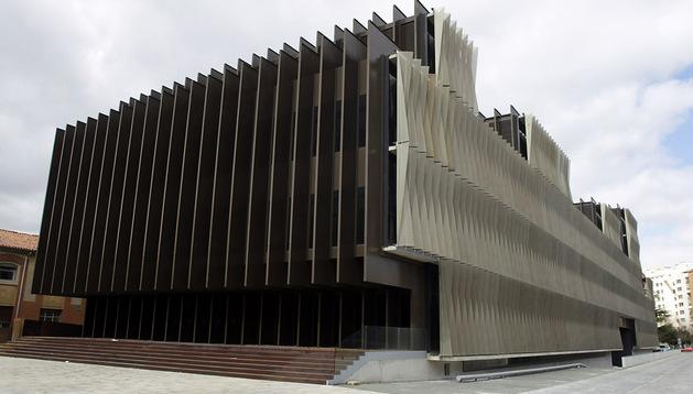 El edificio de Navarrabiomed, ubicado en el recinto del Complejo Hospitalario de Navarra
