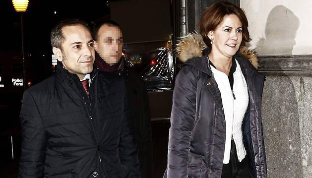 La presidenta del Gobierno de Navarra y de UPN Yolanda Barcina y el consejero portavoz, Juan Luis Sánchez de Muniáin a su llegada a la sede del partido