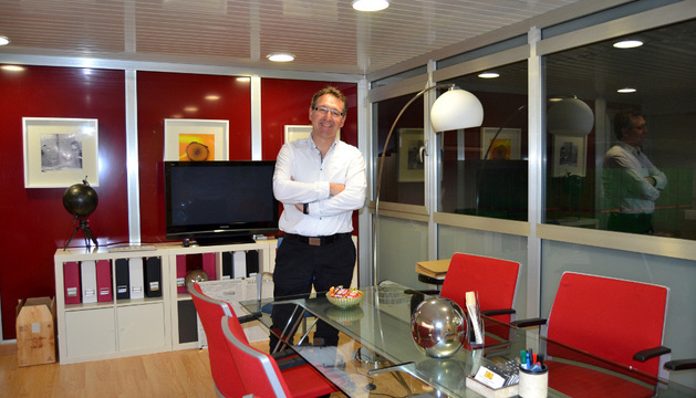 Juan Carlos Berrio Fernández de Manzanos en el despacho de los viveros Los Navarros
