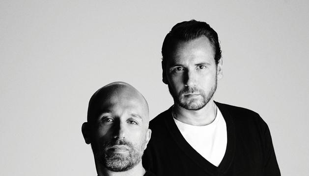 Los diseñadores Arnaud Maillard y Álvaro Castejón, a la derecha, alma de Alvarno.