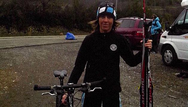 La triatleta de la SDR Arenas de Tudela, Mari Cruz Aragón, en la prueba celebrada recientemente en el Valle de Ansó de Huesca