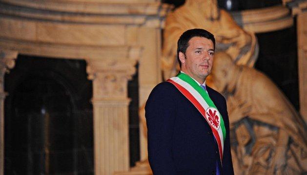 Matteo Renzi durante una ceremonia en Florencia el 14 de febrero