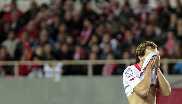Rakitic se lamenta del penalti fallado durante el encuentro