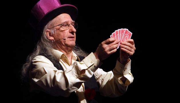 El mago Juan Tamariz, en un espectáculo en Baluarte en 2011